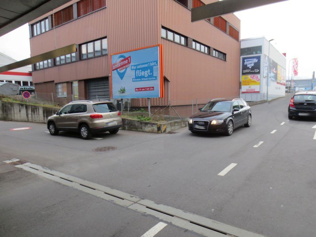 Römerstr. 145  / Daimlerstr. / Ausf. Marktkauf / Tankst. quer