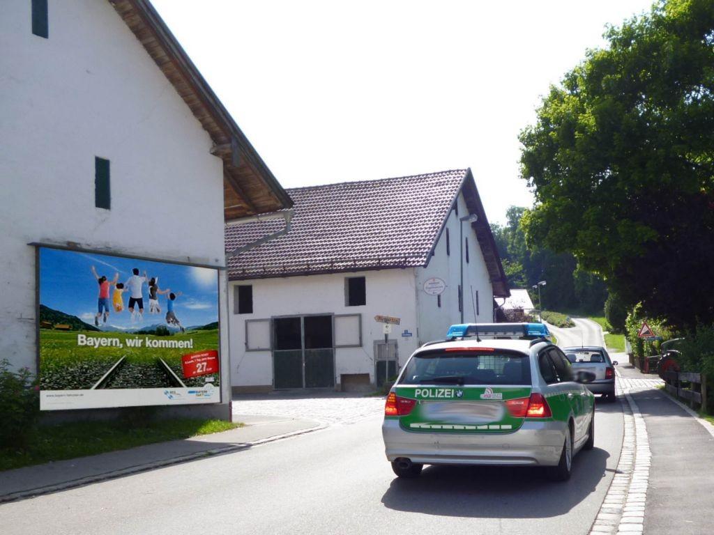 Schlossberg  / Ecke Kirchweg