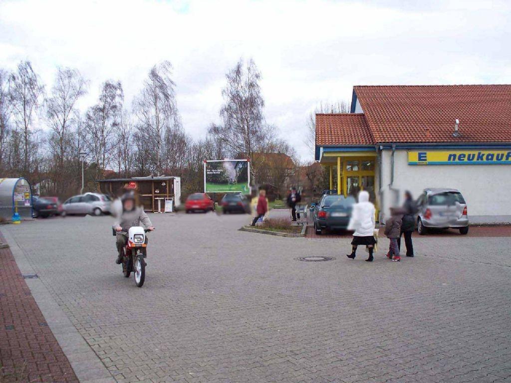 Hindenburgstr. 10 / Edeka / neb. Eingang