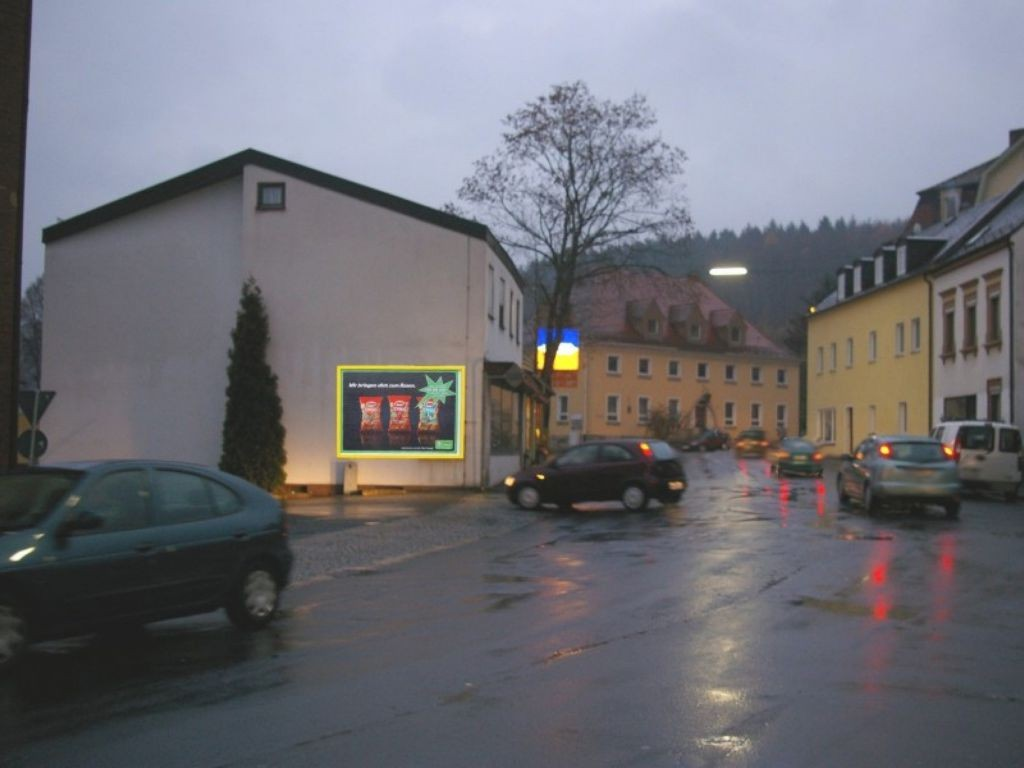 Bahnhofstr. 18  / Einf. quer