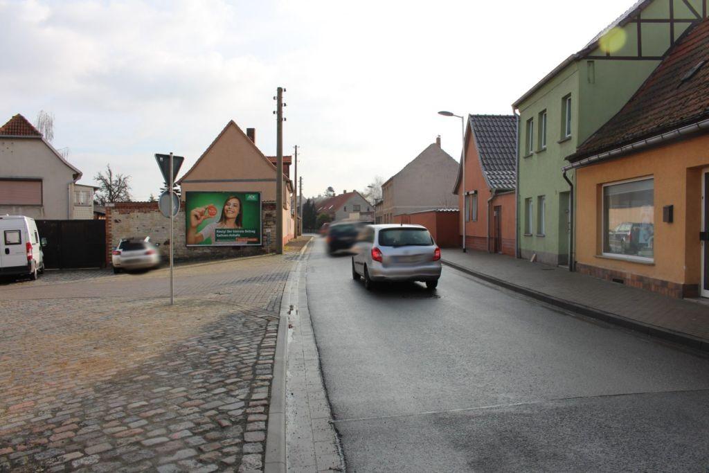 Gustav-Stresemann-Platz 1 (B 185)
