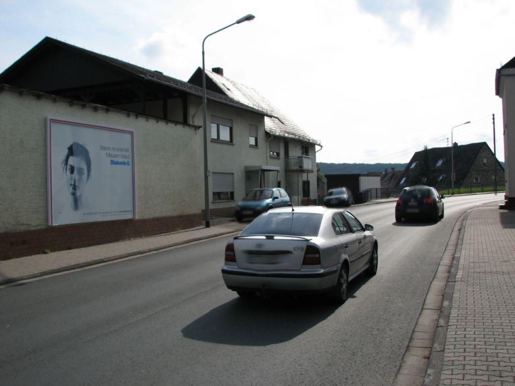 Neunkirchener Str. 8a (L3109) - parallel