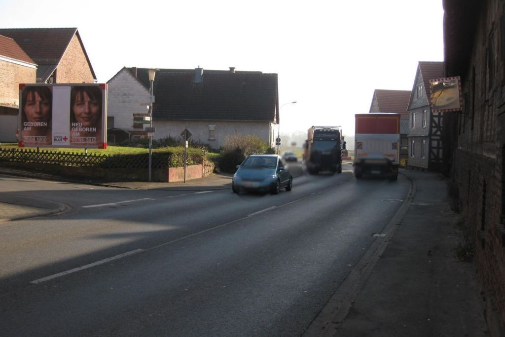 Brockhauser Weg 2 (B 252)  RS