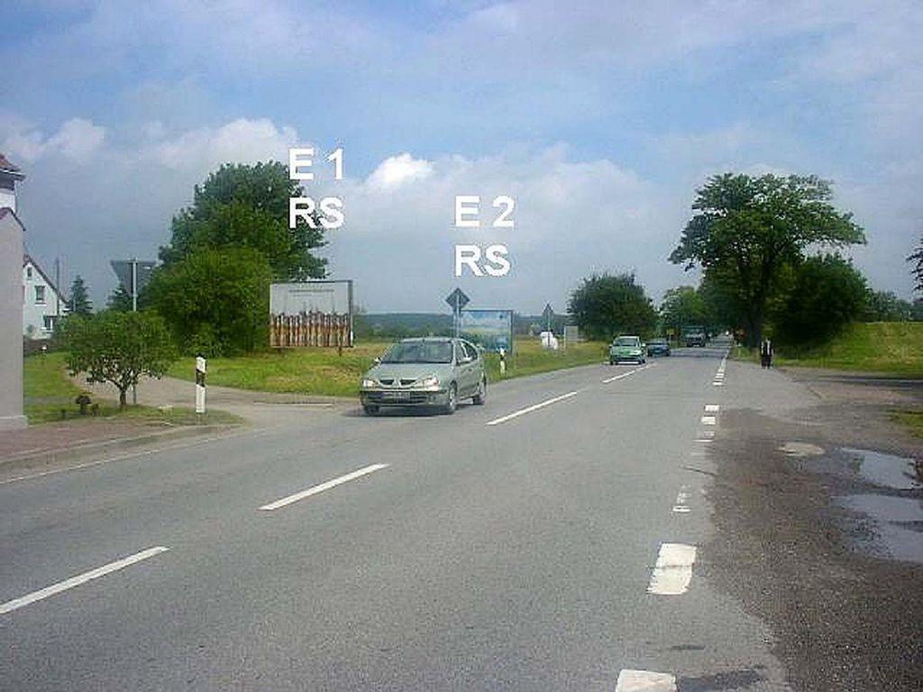 Dorfstr. 4 (B 105) E 1 RS