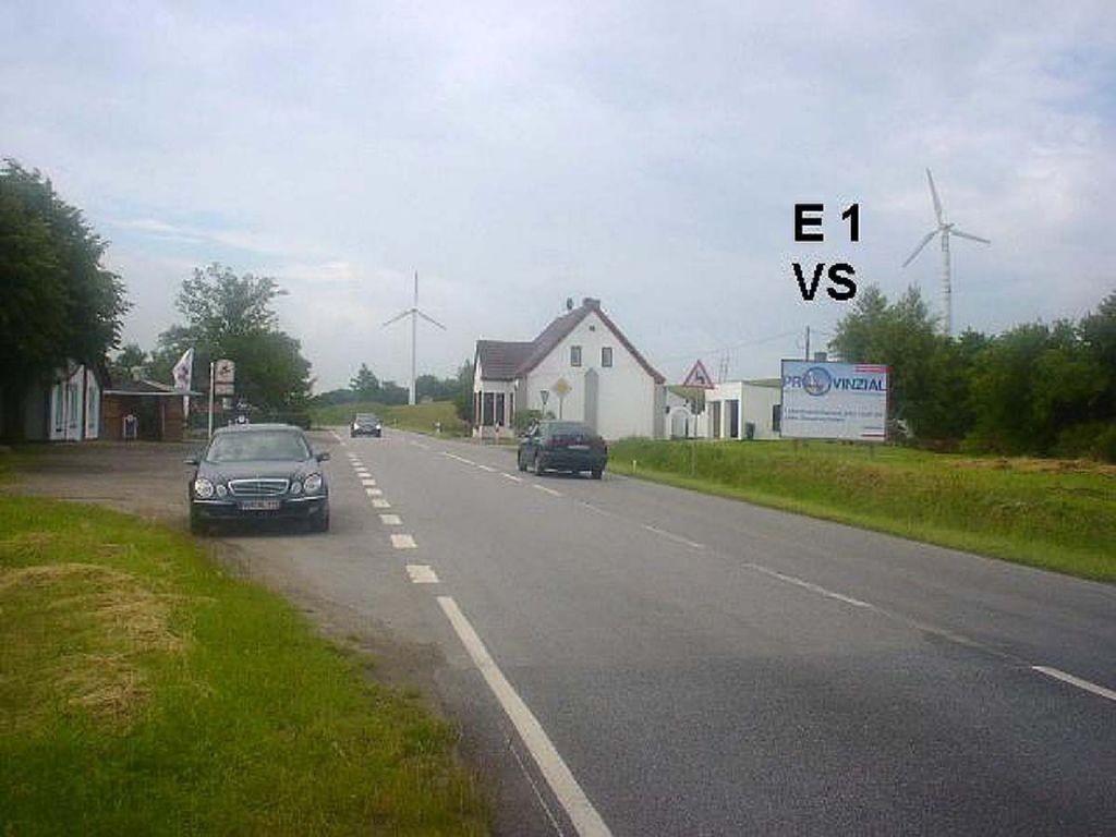 Dorfstr. 4 (B 105) E 1 VS