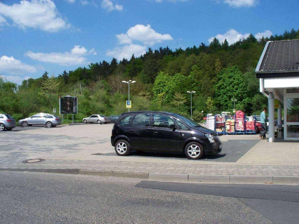 Bahnhofstr. 40-44 (PP) Cap-Markt