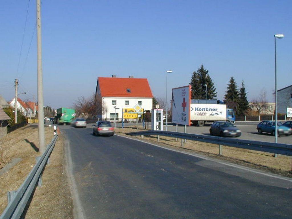 Pappelweg 2  vor >NAH & GUT<