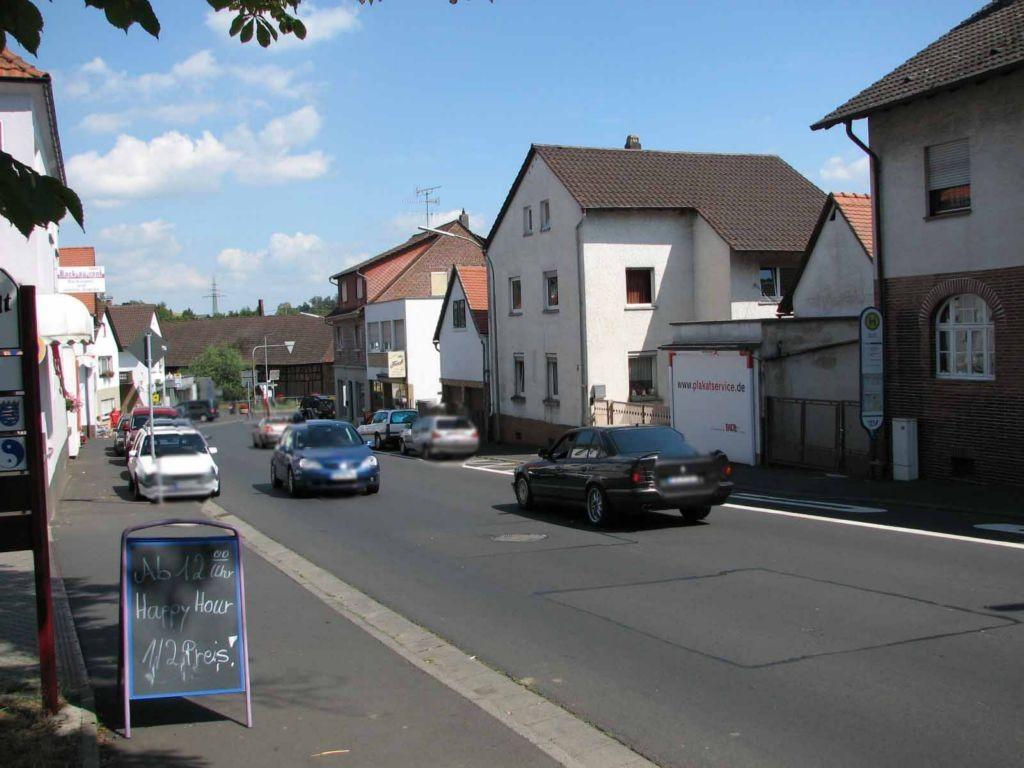 Bahnhofstr. 6  (B 457) Nh. Pfortgartenstr. - parallel