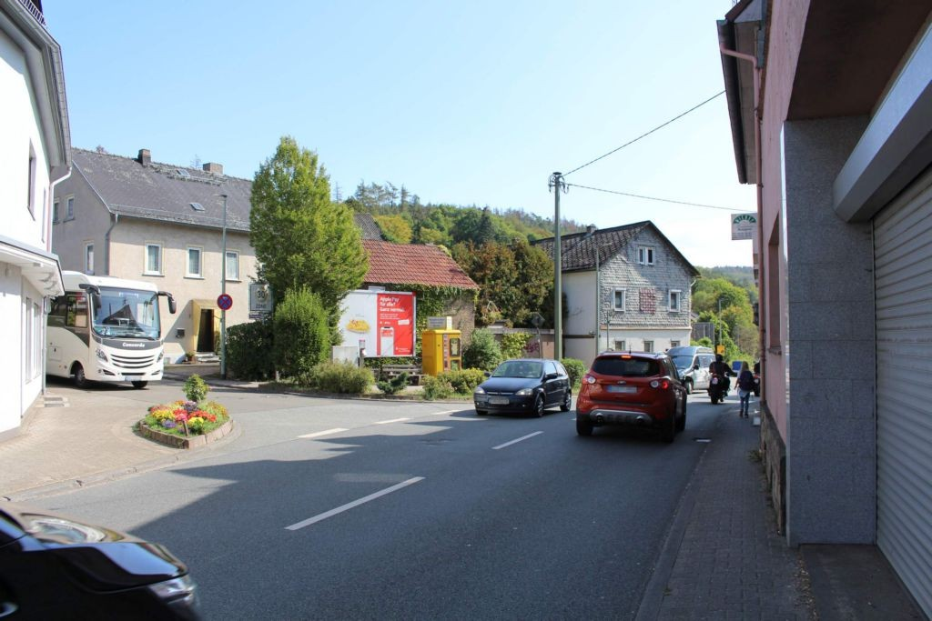 Schwalbacher Str. (B 260) /Obergasse 1