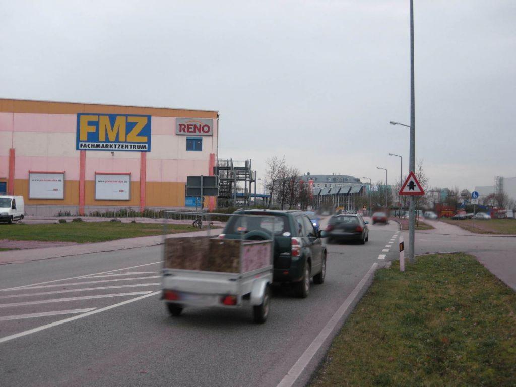 Raiffeisenstr. 25 /Einfahrt FMZ/Kaufland