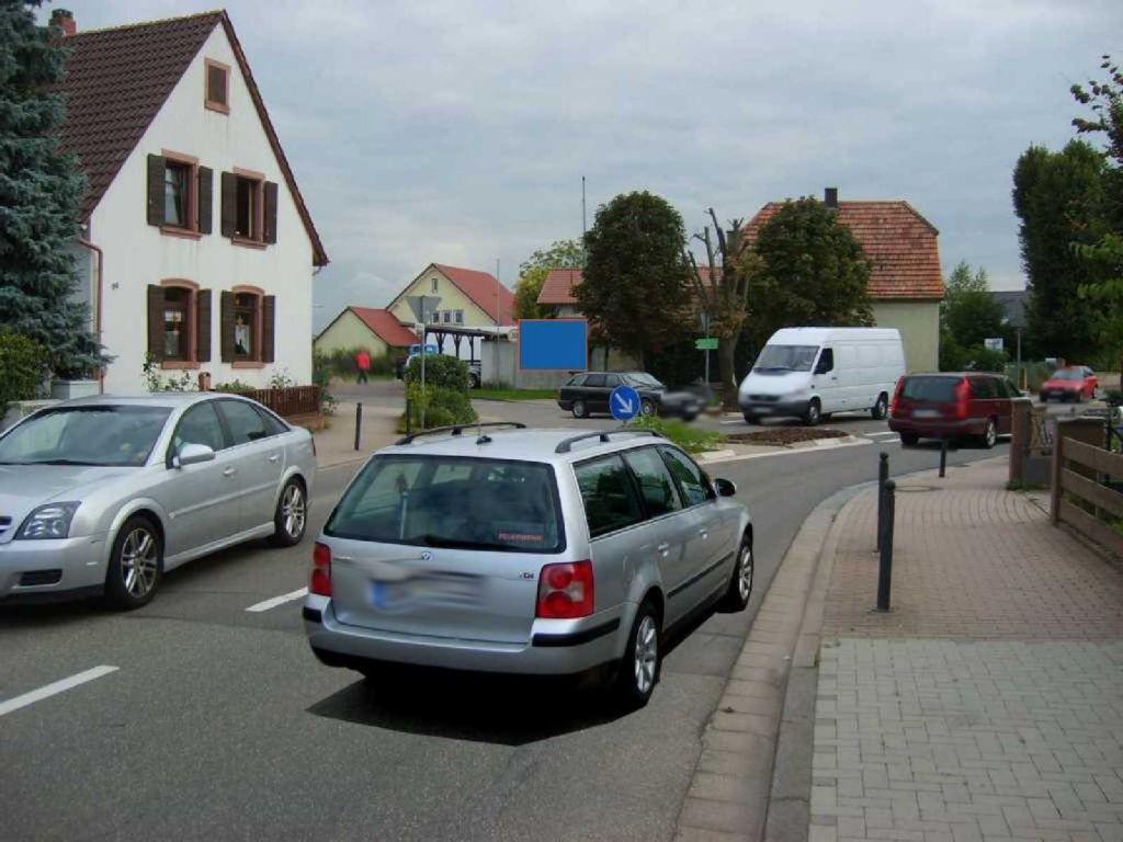 Böhlweg 2 (L 542)  / Hauptstr. quer
