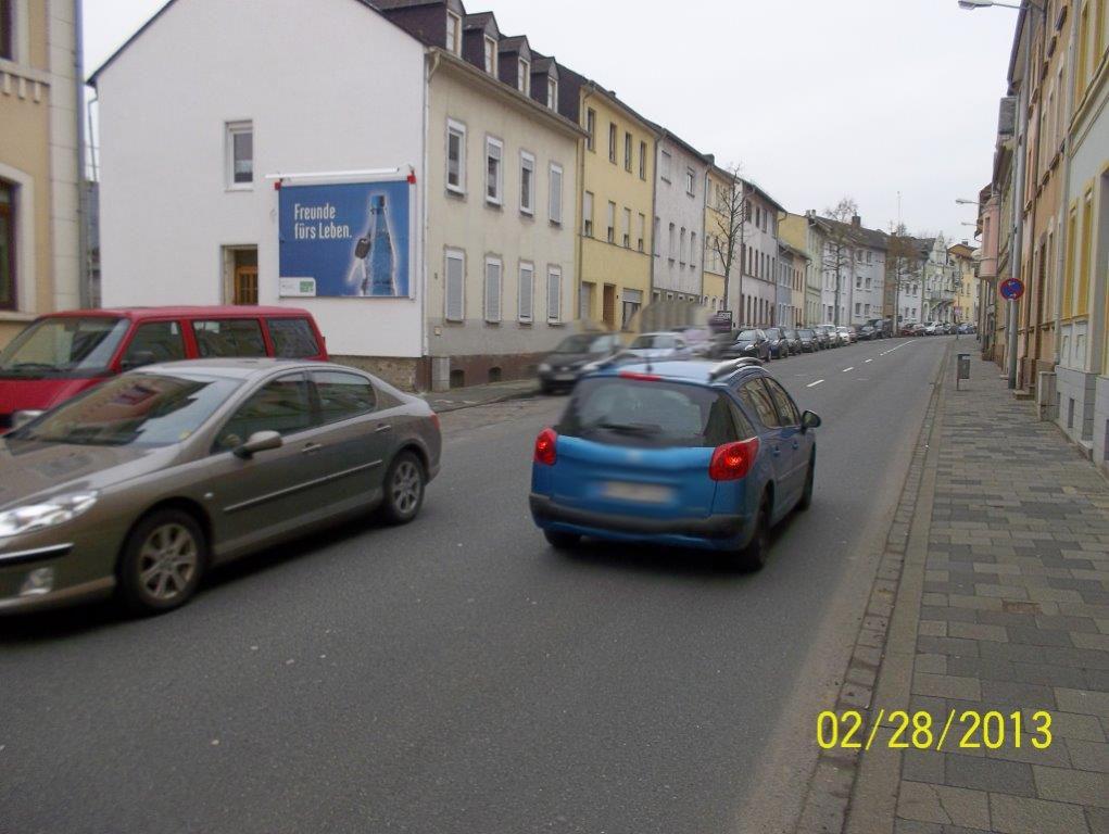 Koblenzer Str. 42 (B 261)