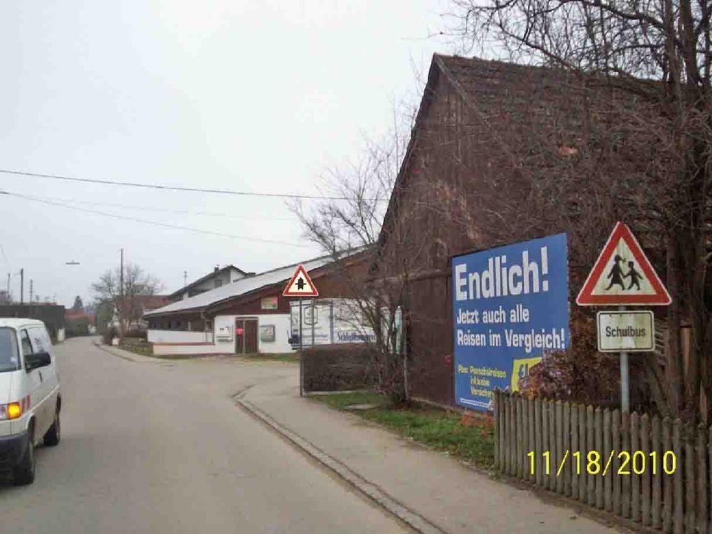 Von-Schätzler-Str.  / Nh. Einm. Holzweg