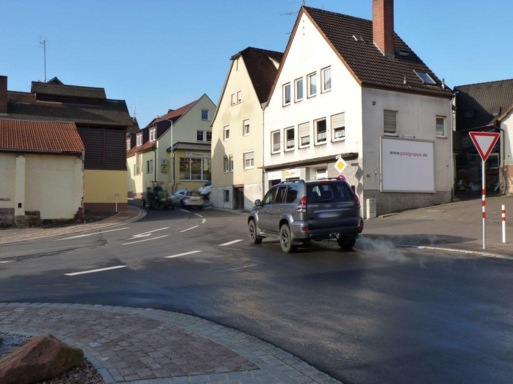 Hauptstr. 6 (St 2315)  / Schoßstr. / Kirchplatz