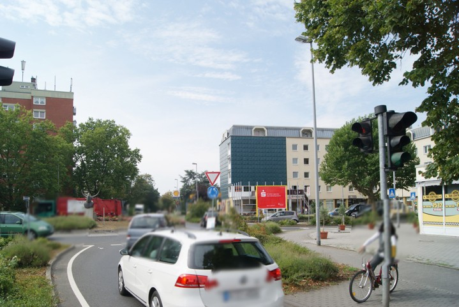Bgm.-Lauck-Str.  / Kapellenstr. 10c quer VS
