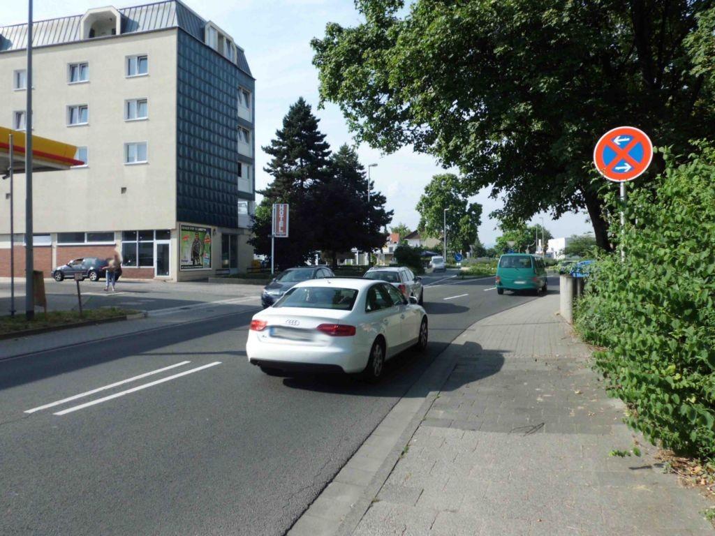 Bürgermeister-Lauck-Str.  / Kapellenstr. 10