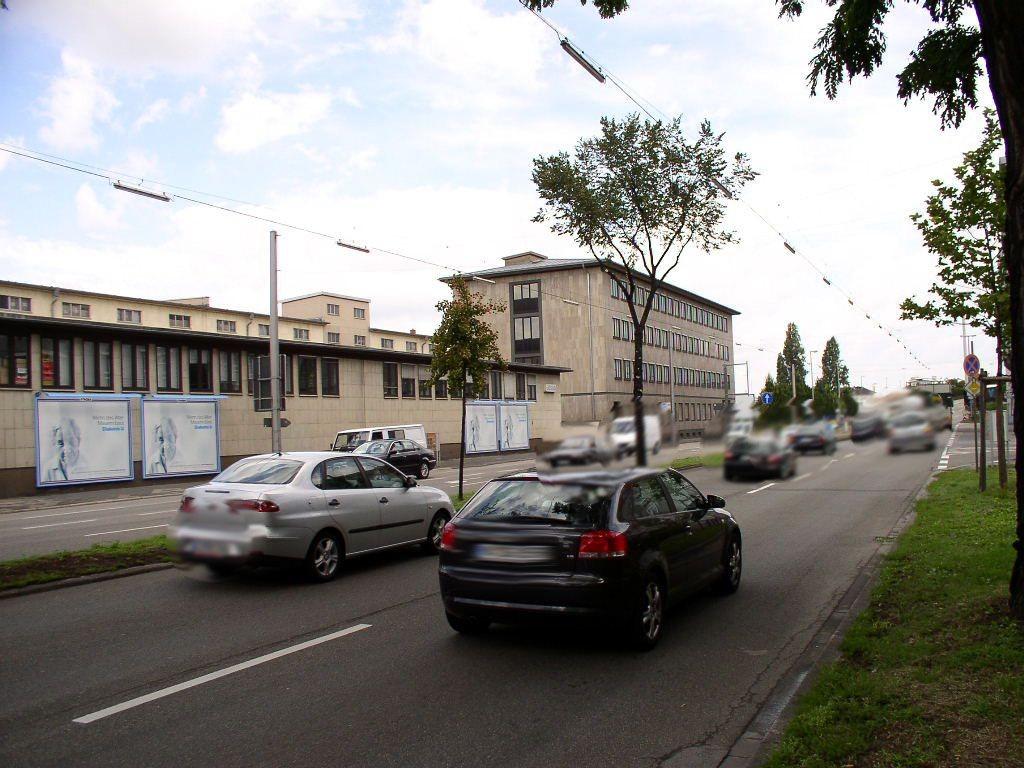Parkring 45 (B 37)  li.