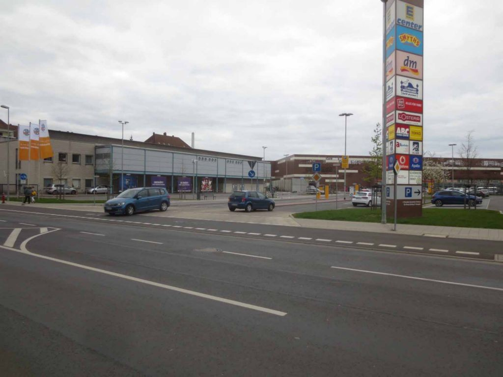 Rietschelstr. 5  / Si. Einf. BraWoPark (EKZ)
