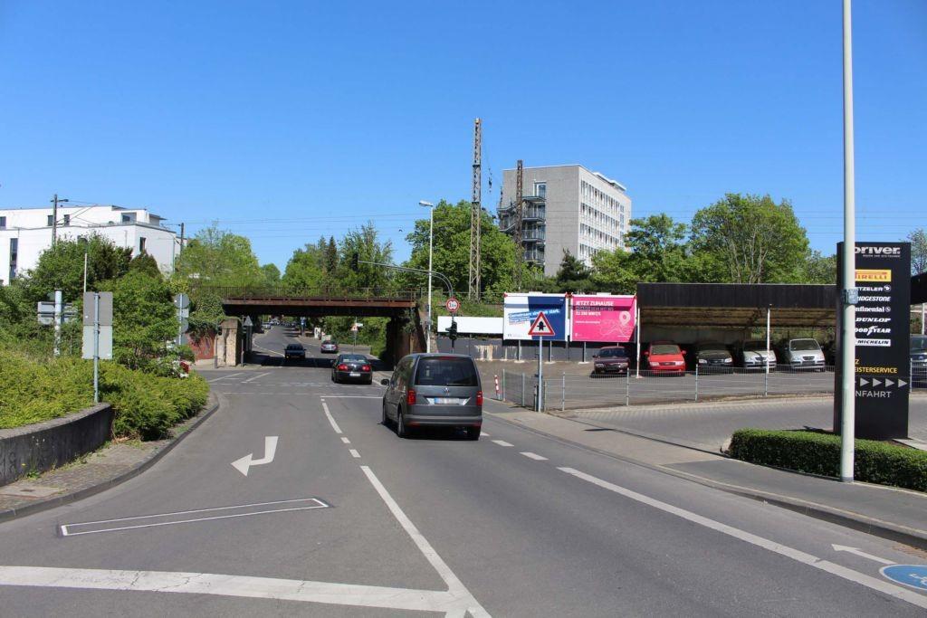 Friedrichallee (B 9)  / Koblenzer Str. 105a