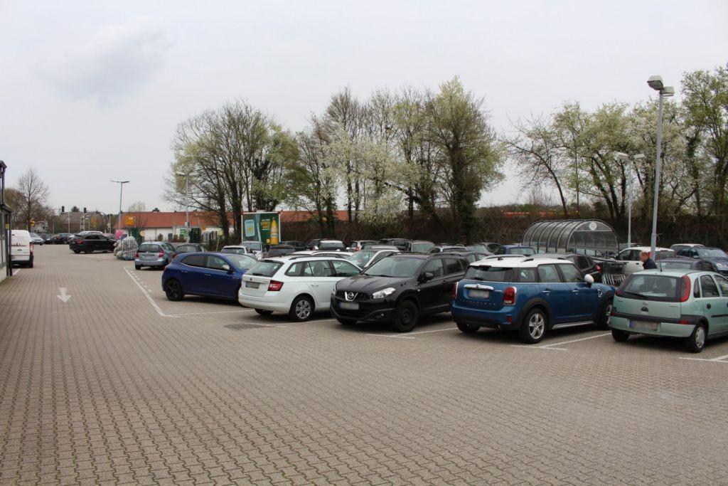 Römerstr. 426  / Edeka Einf.