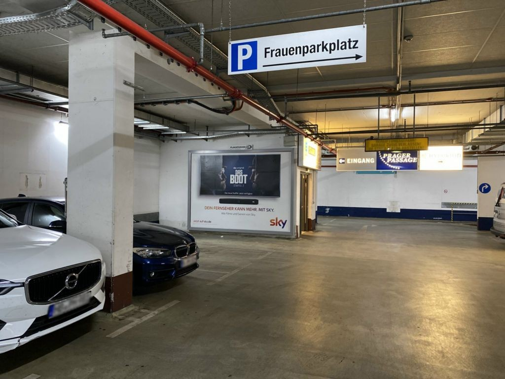 Prager Platz 1-3  / EKZ-(TG) Einf. Wagenbox
