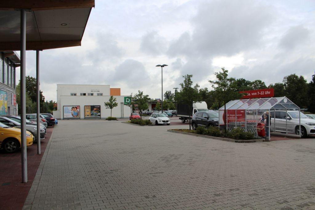 Grashüpferweg 3  / EKZ / Si. Eing. Rewe