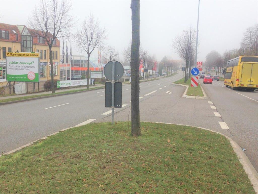 Weimarische Str. 16a (B 7)  / Autohaus quer RS