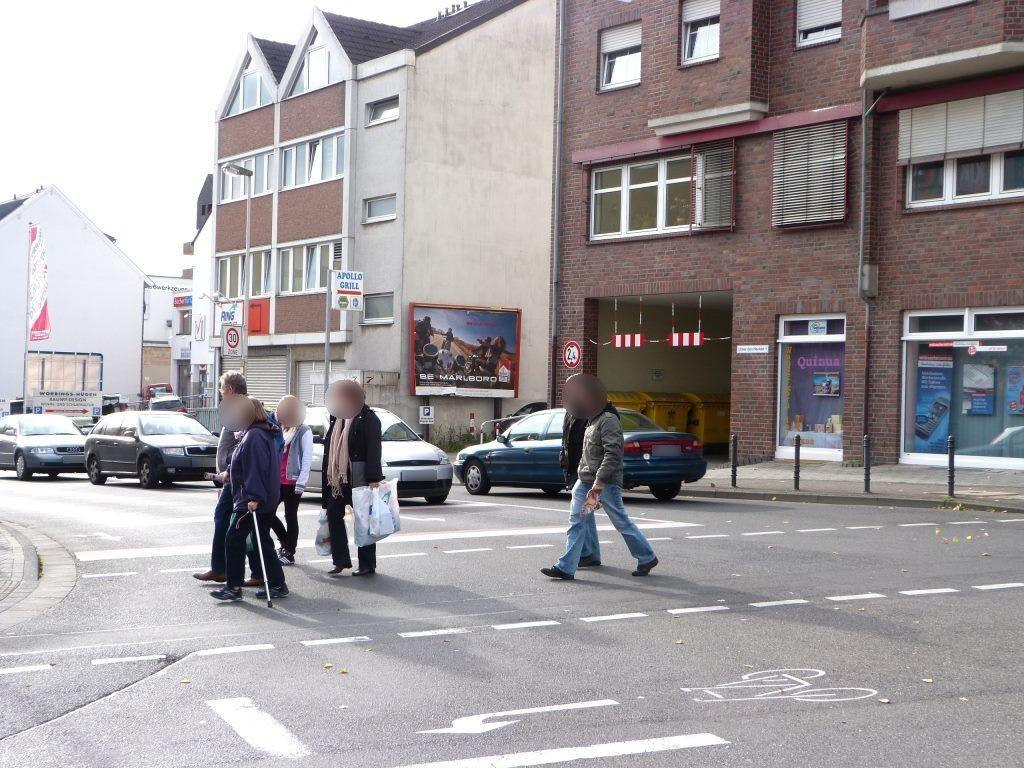 Unter den Hecken/Walhovener Str.