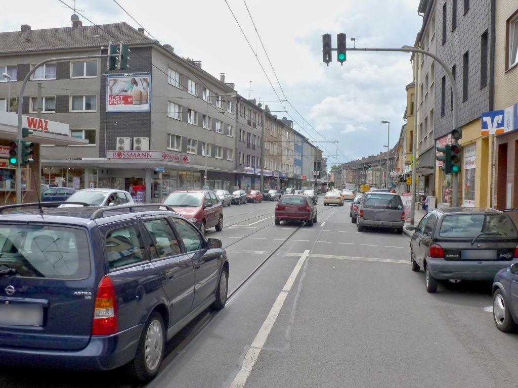 Friedrich-Ebert-Str. 348 li. quer