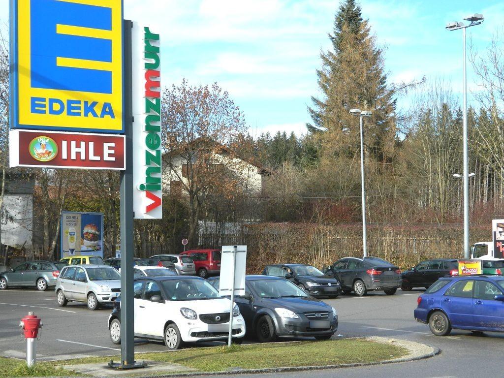 Münchner Str. 62 (Tengelmann Str.quer re)