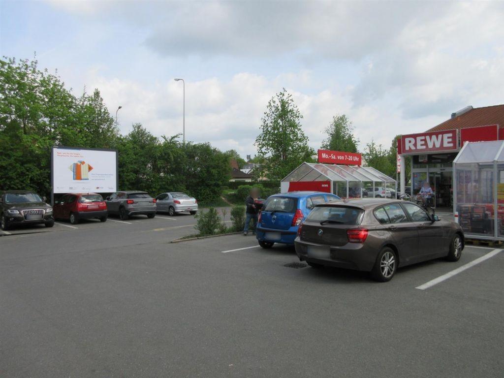 Würzburger Str.  17 (REWE PP geg. Markteingang)