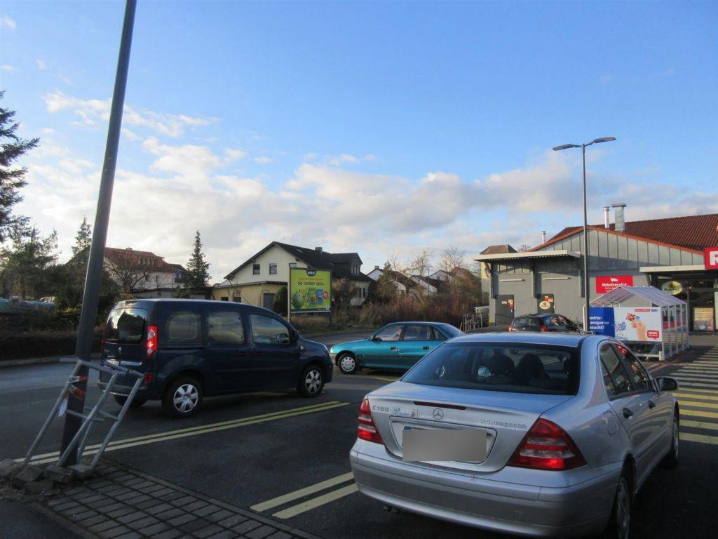 Hauptstr.  73/REWE PP/neb. Markt