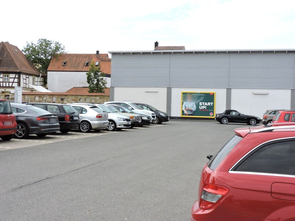 Bamberger Str.  12 Netto Nh. Eing.