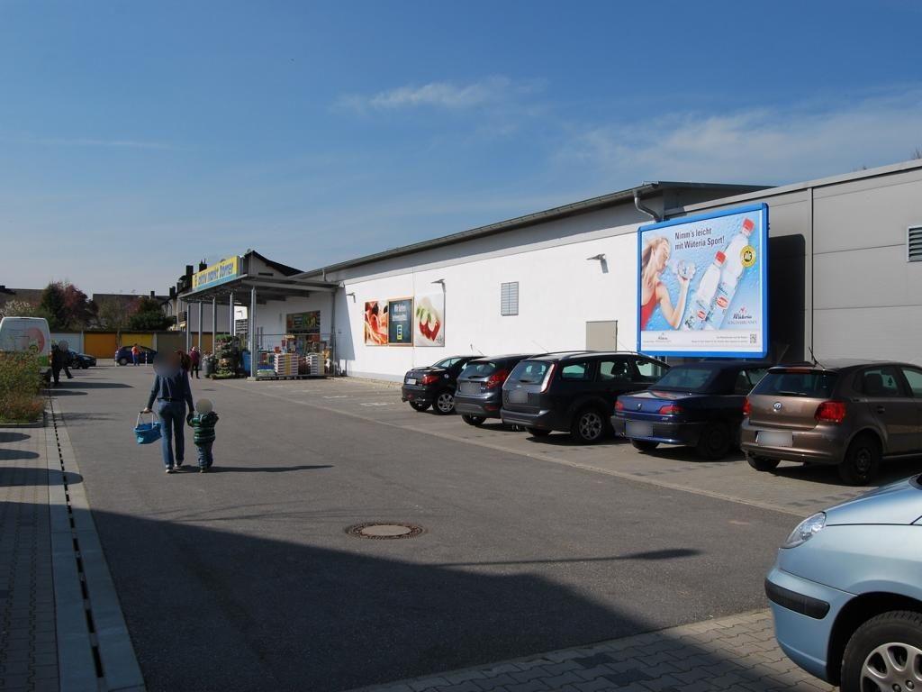 Joß-Fritz-Str.   1a/EDEKA/re. neb. Eing.