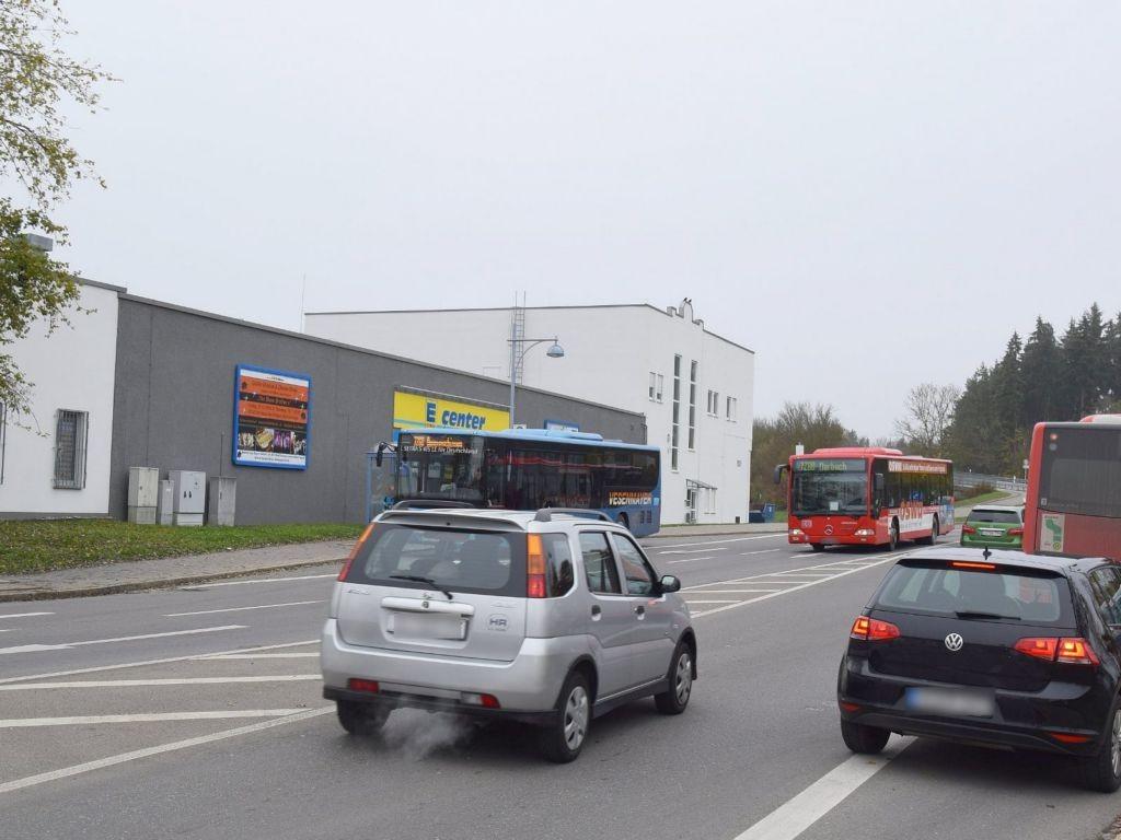 Schwenninger Str.  40/E-Center Zuf. Ost. li.b.HST