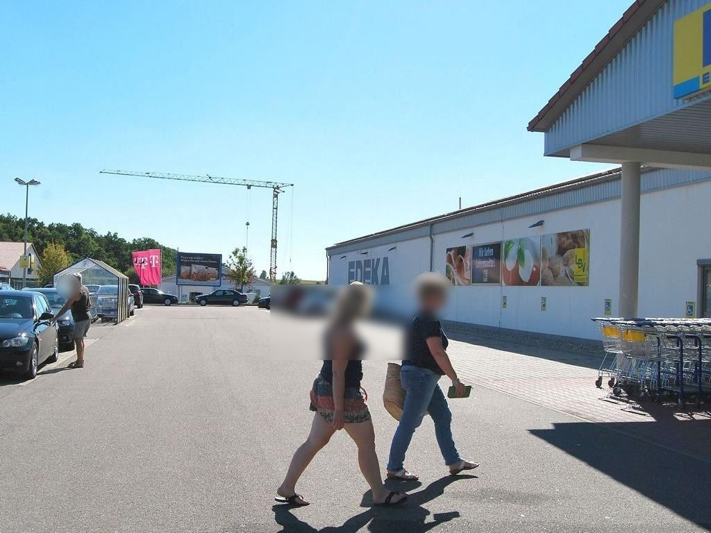 Eckartshäuser Str.  57/EDEKA Si. Eing.
