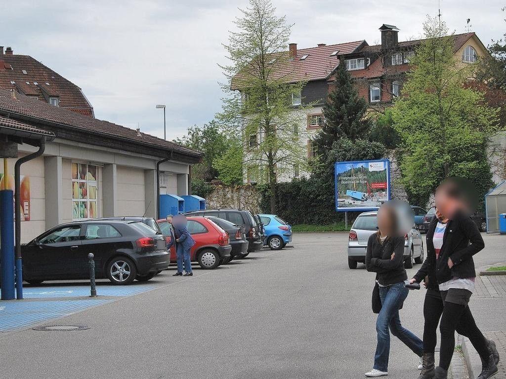 Ortenberger Str.  26-28/EDEKA neb. EKW