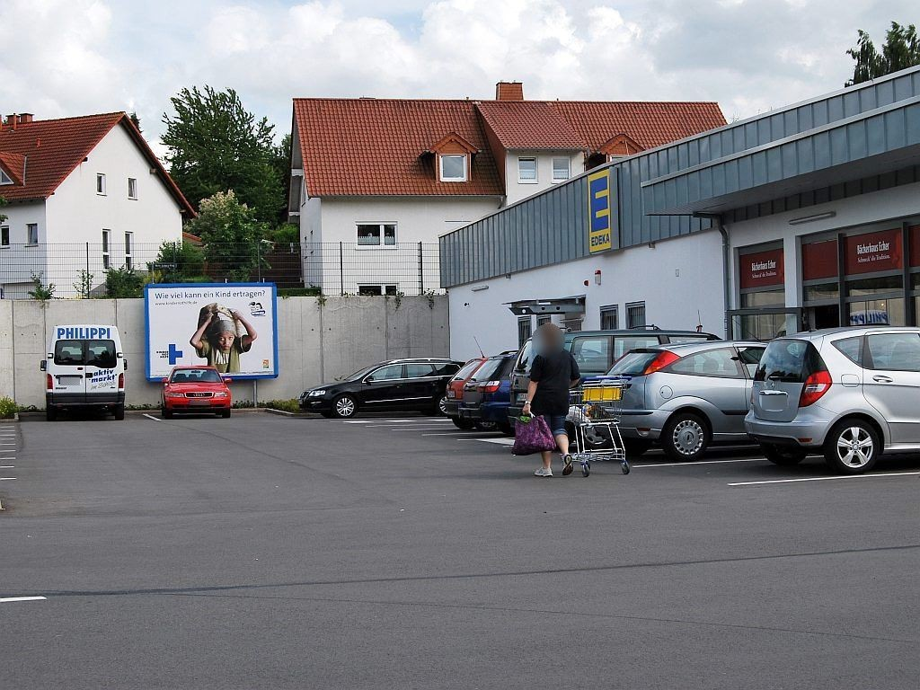 Maria-Juchacz-Ring   2/EDEKA li. vom Eing.