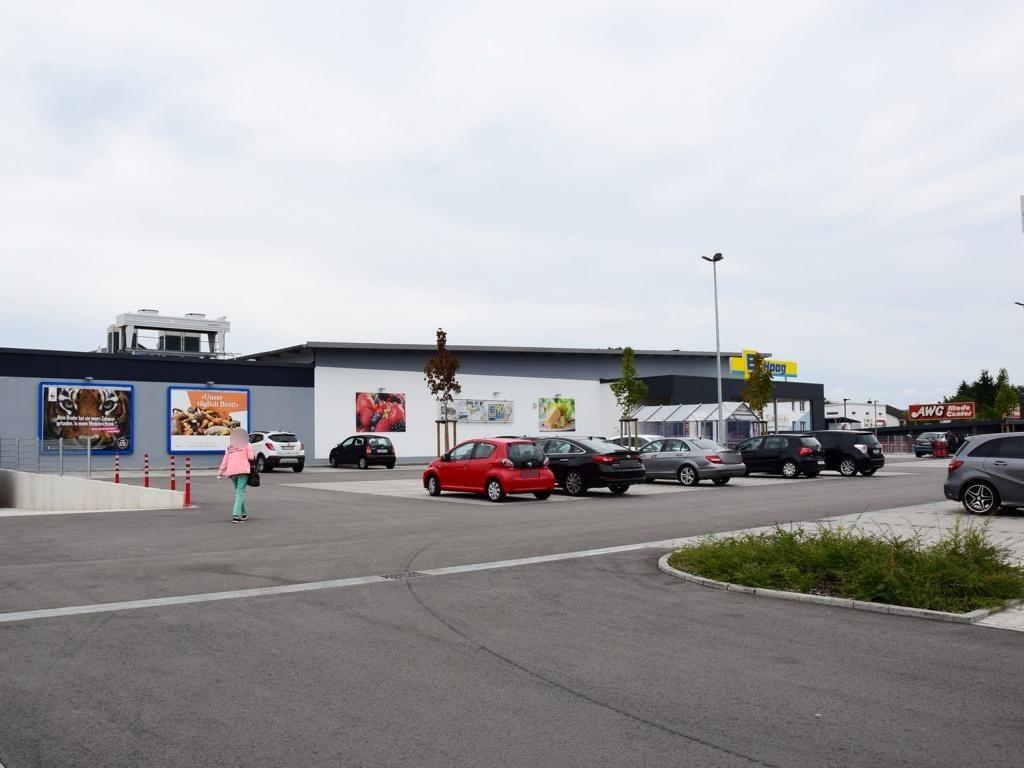 Isigny-Allee   1/EDEKA li. vom Eing.