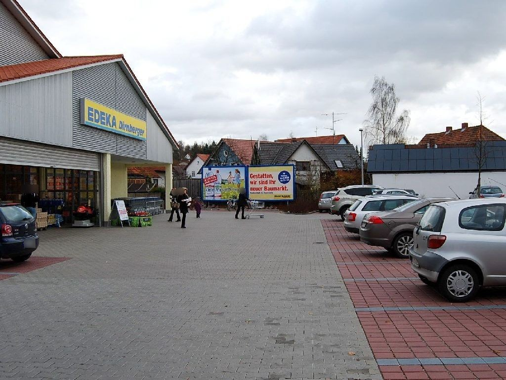 Bahnhofstr.   4/EDEKA neb. Eing.