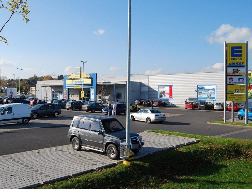 Römerstr.  48/E-Center/2.Sto. re. vom Eing.
