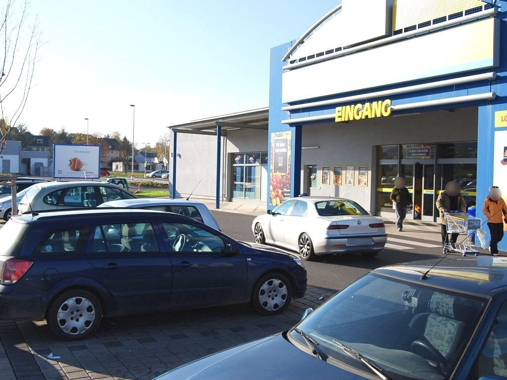 Römerstr.  48/E-Center/Si. Eing.