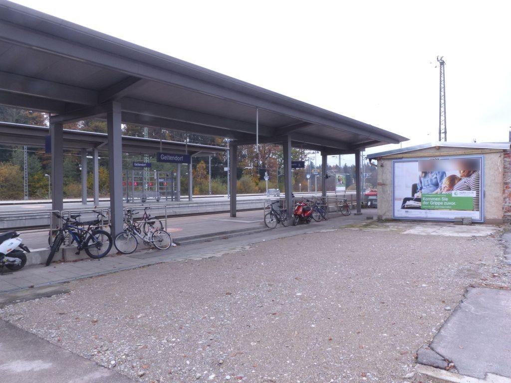 Am Bahnhof   6/Zug. S-Bahn/Zuf. EDEKA
