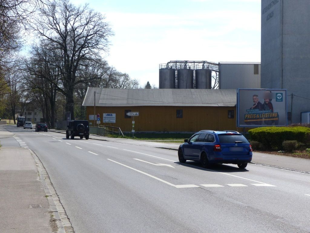 Donauwörther Str.  29 neb. Aldi quer re.