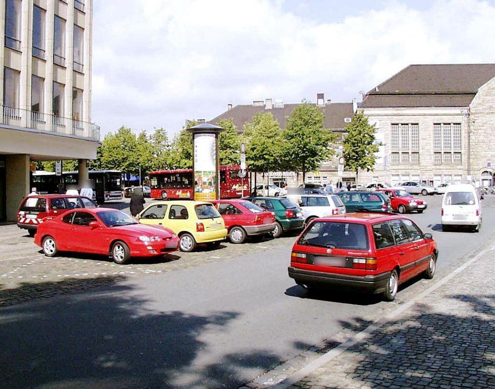 Am Bahnhof/Herbert-Hinnendahl-Str./S.1