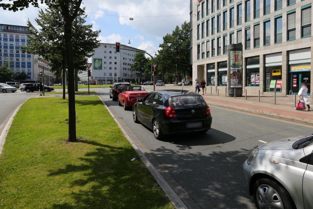Paulusstr.   1/Willy-Brandt-Pl./S.1