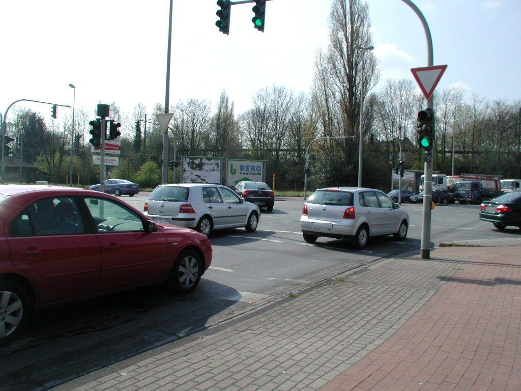 Varziner Str./Essen-Steeler-Str.