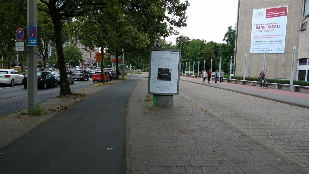 Leonhardplatz/Stadthalle quer