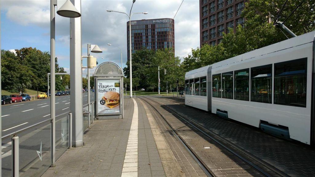 Berliner Platz/Kurt-Schumacher-Str. sew. außen