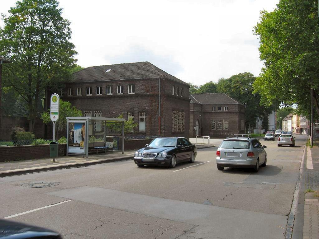 Wanner Str. 180/HST Oskarstr./Ri. Herne/We.li.